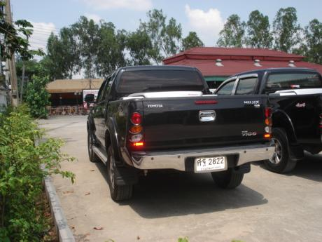used Toyota Hilux VigoDouble Cab 4x4 G with utility box at Thailand's top and Singapore's best Toyota new and used Hilux Vigo dealer Jim Autos Thailand