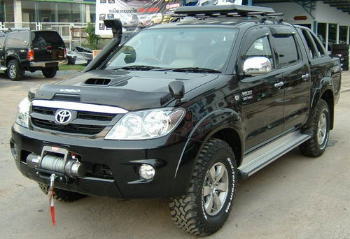 Toyota Hilux Vigo with snorkel and tow
