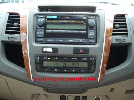 2009 Toyota Fortuner radio