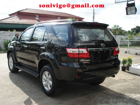 2009 Toyota Fortuner rear view