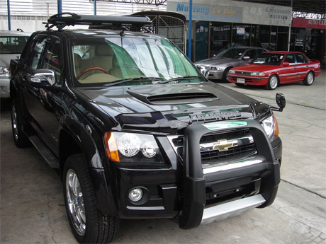 Chevy Colorado 2008 accessorized front view - Get your Chevy now at Jim Autos Thailand and Jim 4x4 Thailand