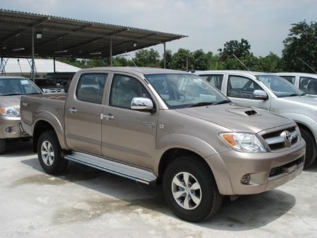 new Toyota Hilux Vigo Double Cab 4x4 E at Thailand's top and Singapore's best Toyota Hilux Vigo dealer Jim Autos Thailand