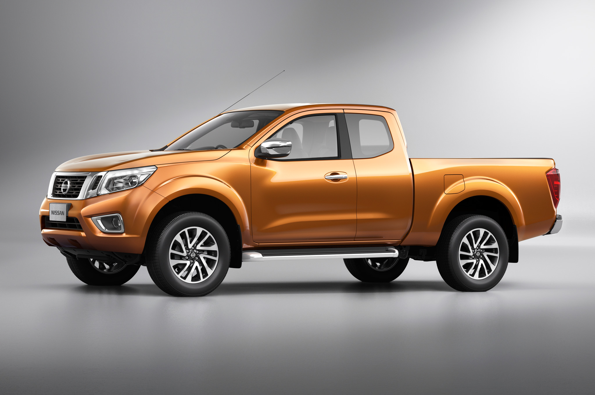 Nissan navara np300 pictures