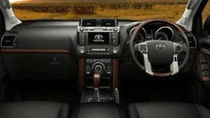 Toyota Land Cruiser Prado Kakadu front panel
